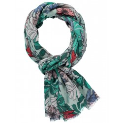 Scarf with an exotic print by Taifun
