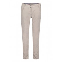 Chino trousers by Betty & Co