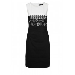Comes with floral lace by s.Oliver Black Label