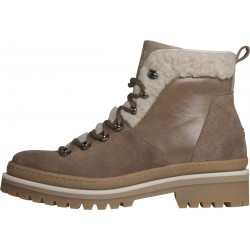 Cosy lined outdoor boots by Tommy Hilfiger
