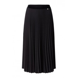 Pleated skirt with velvet waistband by Rich & Royal