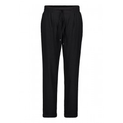 Slip-on trousers by Betty & Co