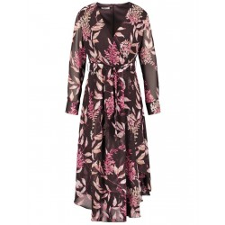 Dress with an asymmetric hem by Gerry Weber Collection