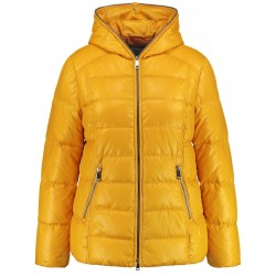 Quilted jacket with a hood by Samoon