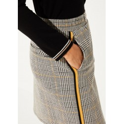 Check skirt by comma CI