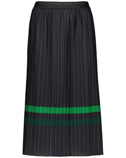 Pleated skirt with contrasting stripes by Taifun