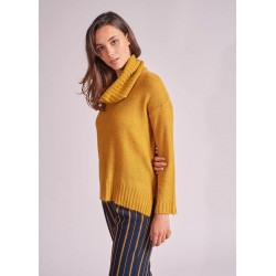 Pullover with removable collar by La Fée Maraboutée