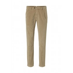 Chino STIG PLEATS tapered aus feinem Baby Cord by Marc O'Polo