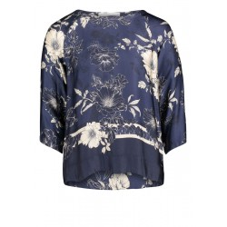 Floral blouse by Betty & Co