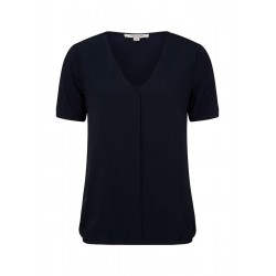 T-shirt with layering by comma CI