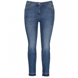 Betty jeans with contrasting details by Samoon