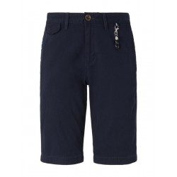 Chino shorts with a key chain by Tom Tailor