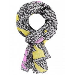 Scarf with a geometric pattern by Gerry Weber Collection