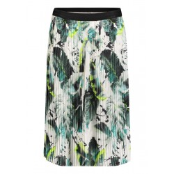 Pleated skirt by Betty & Co