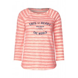 Shirt with lettering on the front by Cecil