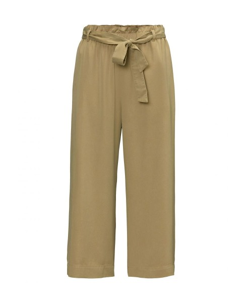 Trousers Made of flowing lyocell twill fabric