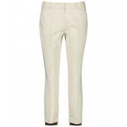 Smart 7/8-length trousers with high-low hems by Taifun