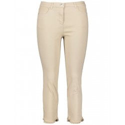 7/8-length Betty jeans with frayed edges by Samoon