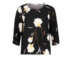 Long sleeve blouse by Betty & Co