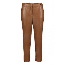 Basic trousers by Betty & Co
