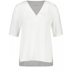 Blouse shirt with V-neck by Gerry Weber Collection