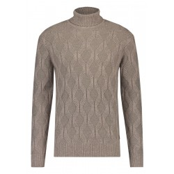 Turtle neck sweater by State of Art