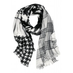 Scarf with pattern mix by Street One