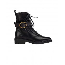Leather boots by Unisa