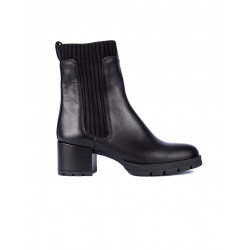 Leather ankle boots by Unisa