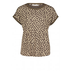 Mid-length sleeve top by Betty & Co
