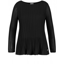 Pleated blouse by Samoon