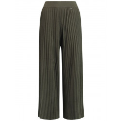 Wide knitted trousers with pleats by Taifun