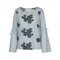 Summer Blouse with floral applications by Geisha